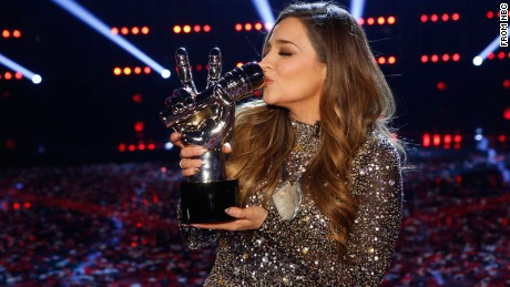"Former child star Alisan Porter won season 10 of ""The Voice."""