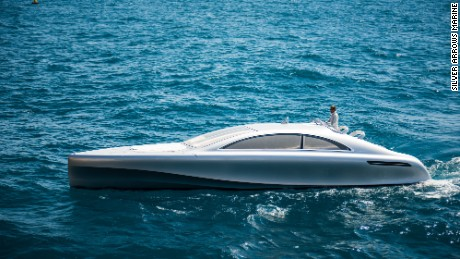 Mercedes-Benz swaps cars for yachts with Arrow460-Granturismo