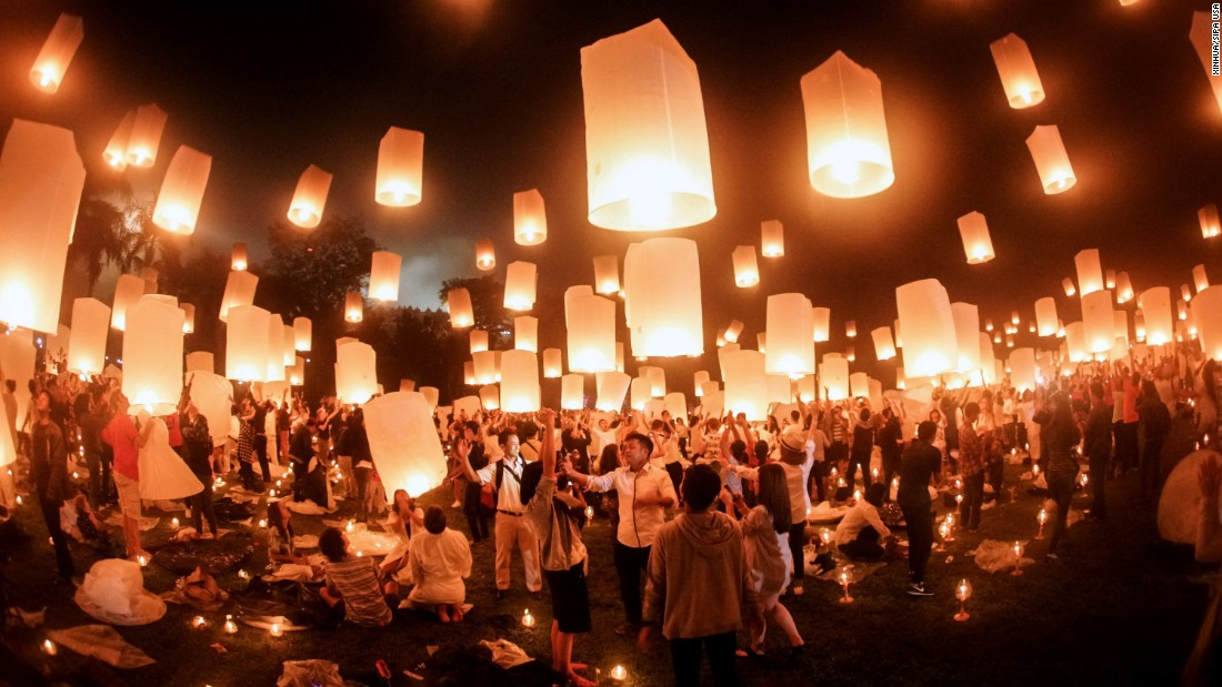 "People in Magelang, Indonesia, fly lanterns for the Buddhist holiday Vesak on Sunday, May 22. <a href=""http://www.cnn.com/2016/05/20/world/gallery/week-in-photos-0520/index.html"" target=""_blank"">See last week in 31 photos</a>"