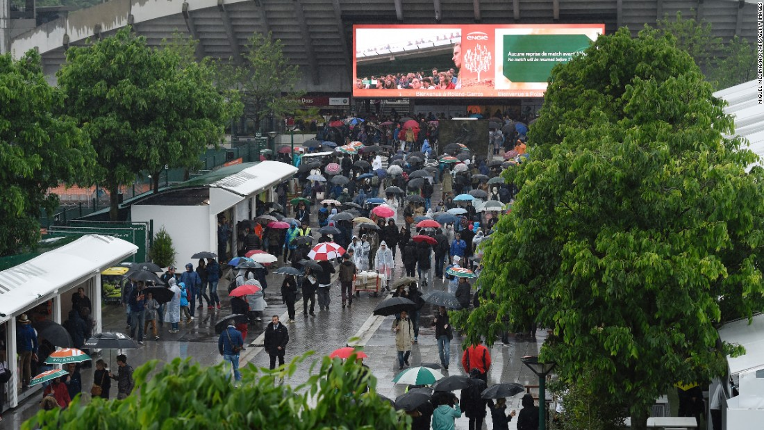 As the disappointed spectators filed out in their droves, Roland Garros officials were quick to confirm tickets would be refunded.