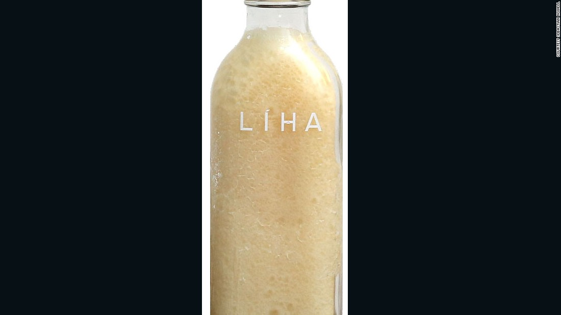 Liha's Idan oil is made with natural cold pressed coconut oil and infused with a Tuberose flower, and is used to moisturize the skin.