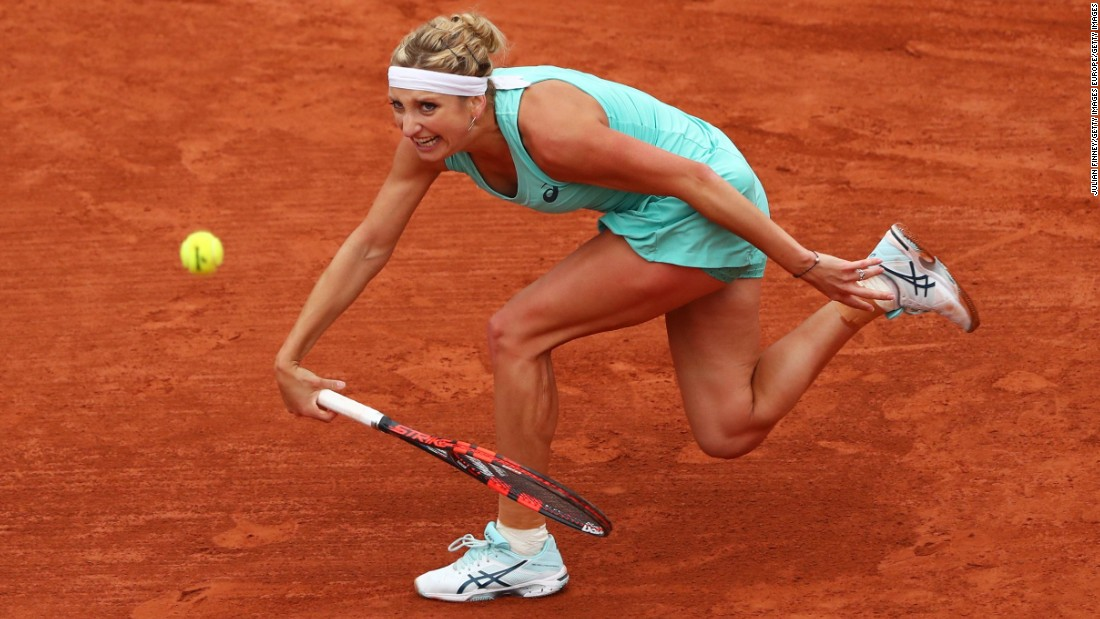 Ranked 58th, the Dutch qualifier reached the last four of a grand slam for the first time by winning 7-5 6-2 against Swiss eighth seed Timea Bacsinszky, who was beaten by Williams in last year's semifinals.