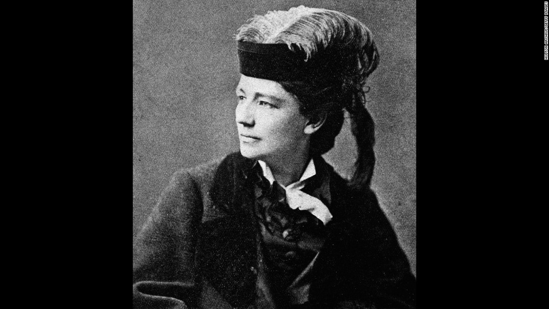 American feminist reformer Victoria Woodhull was the first woman to run for U.S. president from a nationally recognized ticket as the candidate of the Equal Rights Party in 1872. Woodhull was also one of the first female stockbrokers on Wall Street.