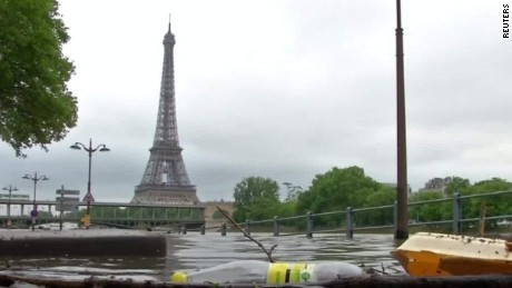 paris flood louvre erin mclaughlin pkg_00000920.jpg