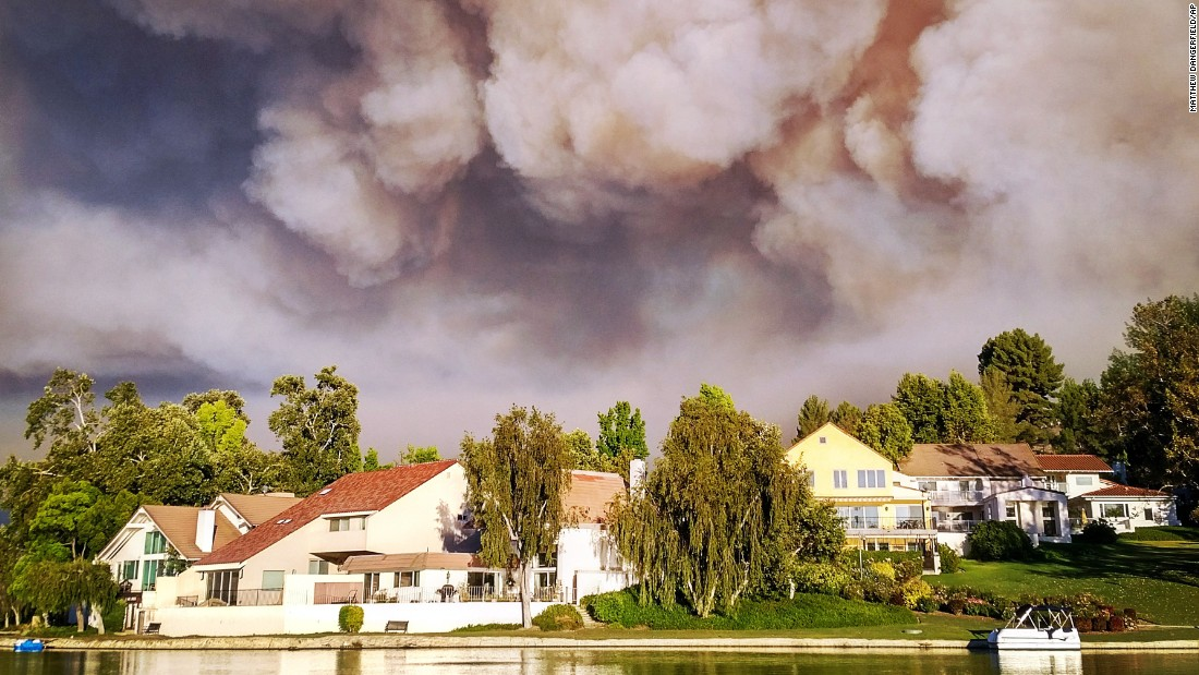 Smoke fills the sky over the homes of Calabasas on June 4.