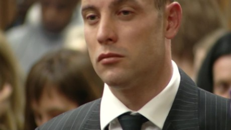 pistorius back in court lklv mckenzie_00002615.jpg