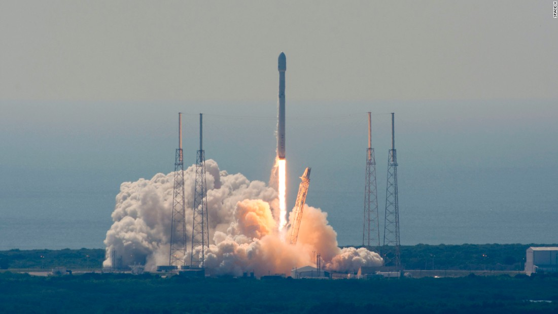 SpaceX launches satellites, loses rocket