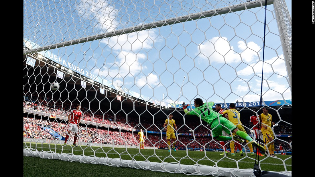 Mehmedi's shot flies past Romanian goalkeeper Ciprian Tatarusanu.