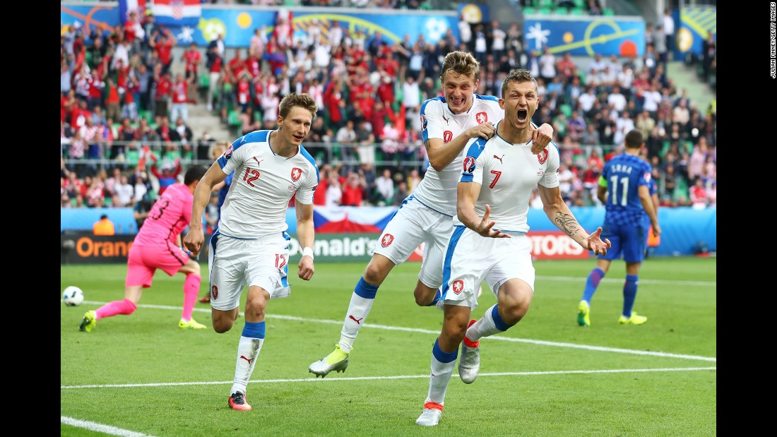 Czech Republic forward Tomas Necid, right, celebrates his second-half penalty that tied Croatia in stoppage time. The match ended 2-2 in Saint-Etienne, France.