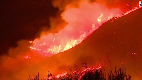 Firefighters battle California wildfire blaze