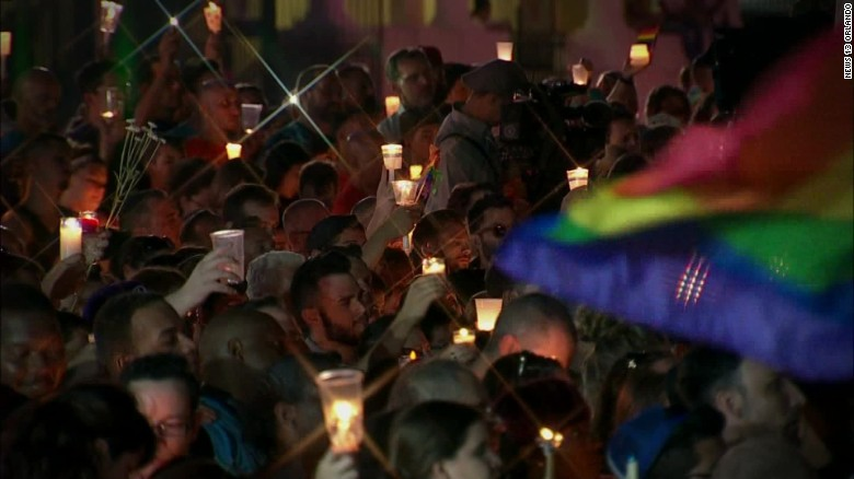 Tens of thousands 'transcend hate' in Orlando