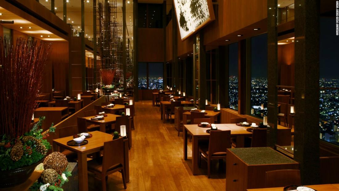 Best color for restaurant interior stunning the polo bar for Best color for restaurant interior