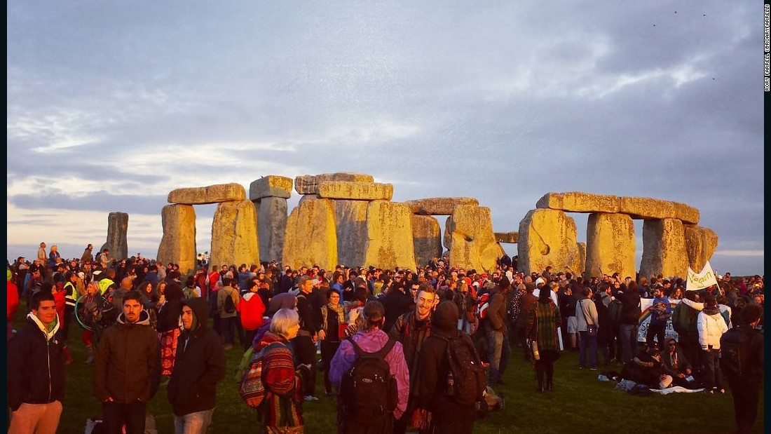 Stonehenge: Thousands set to celebrate summer solstice