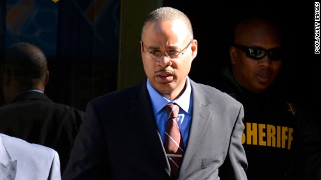 Cop acquitted on all charges in Freddie Gray case