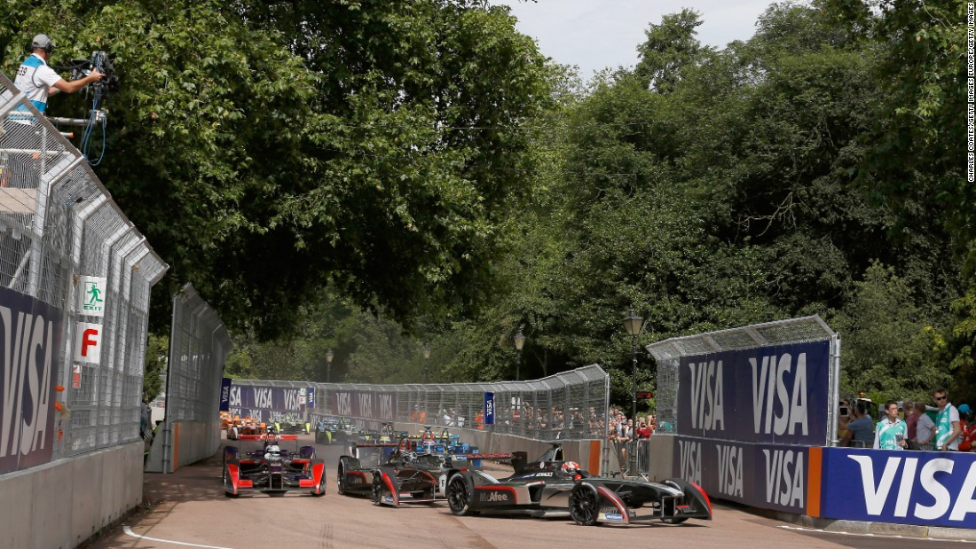 """It's fast, it has a lot of corners, and it is the second-longest track of the year,"" Di Grassi says of the 1.8-mile Battersea Park circuit."