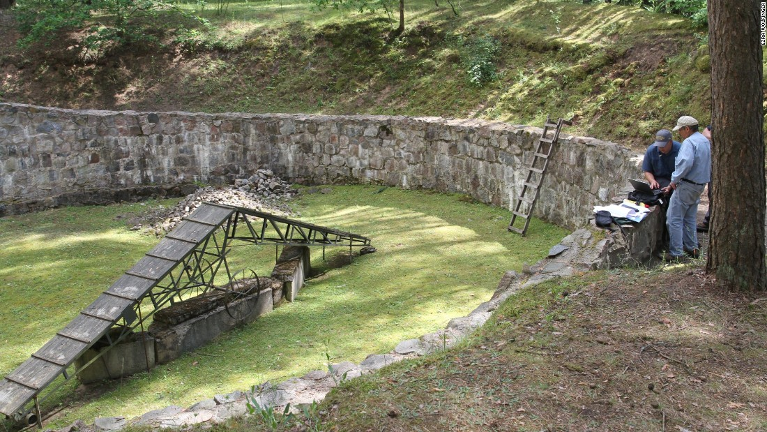 Hand-dug Holocaust escape tunnel discovered in Lithuania