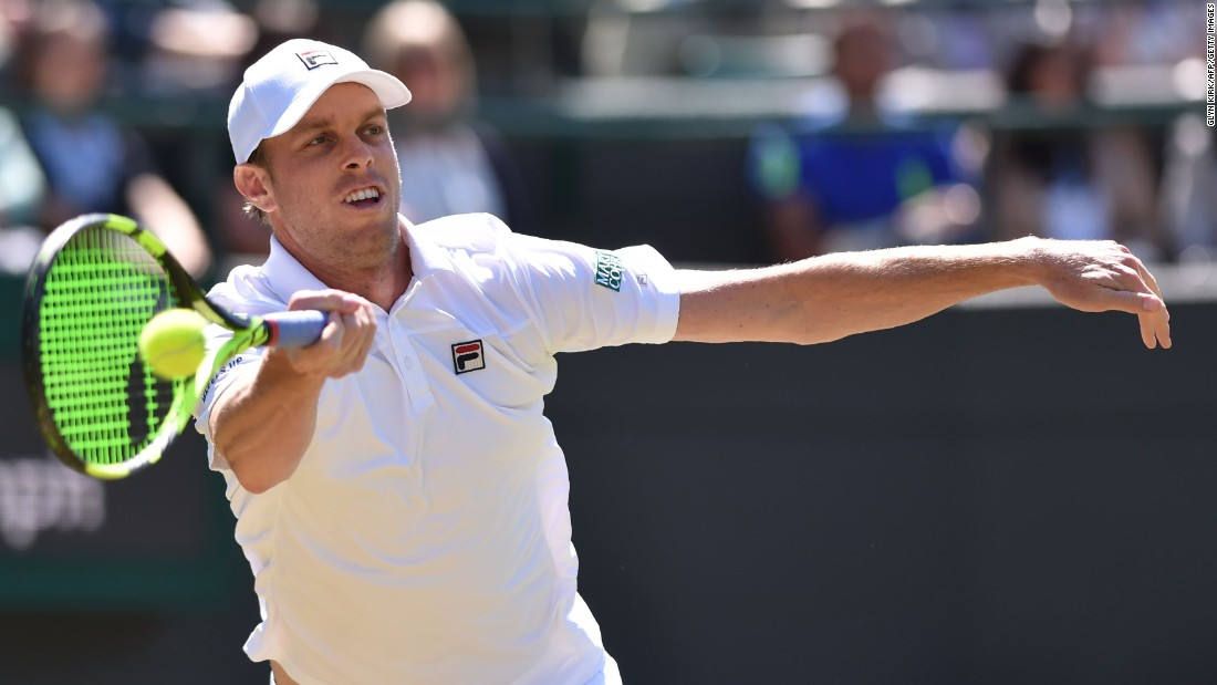 Querrey then defeated France's Nicolas Mahut to set up a quarterfinal clash with Canadian sixth seed Milos Raonic.