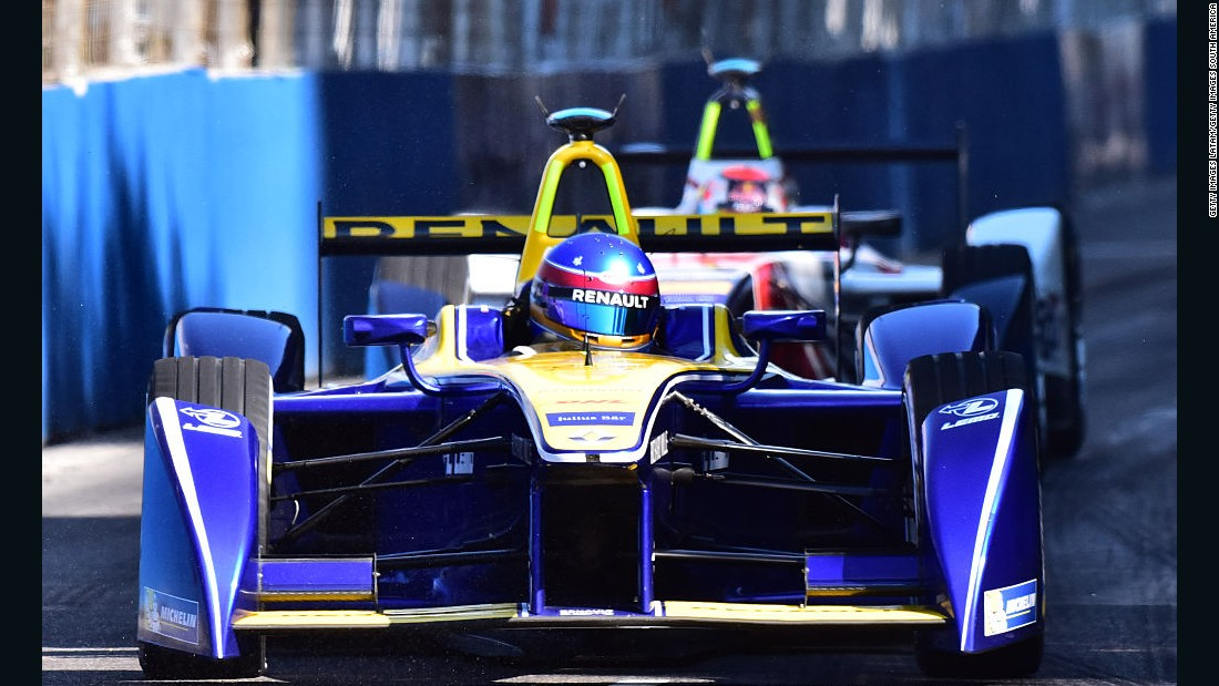 Prost cruised to victory in the first of two Formula E races being staged in London this weekend.