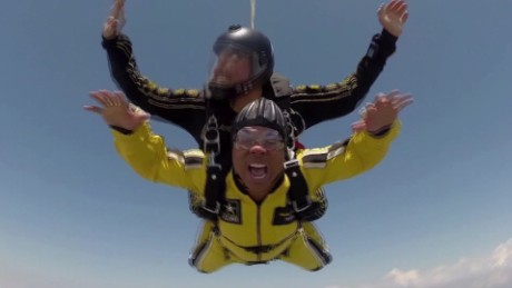 SPORTS_HINES WARD_AIRPLANE JUMP_00004526.jpg