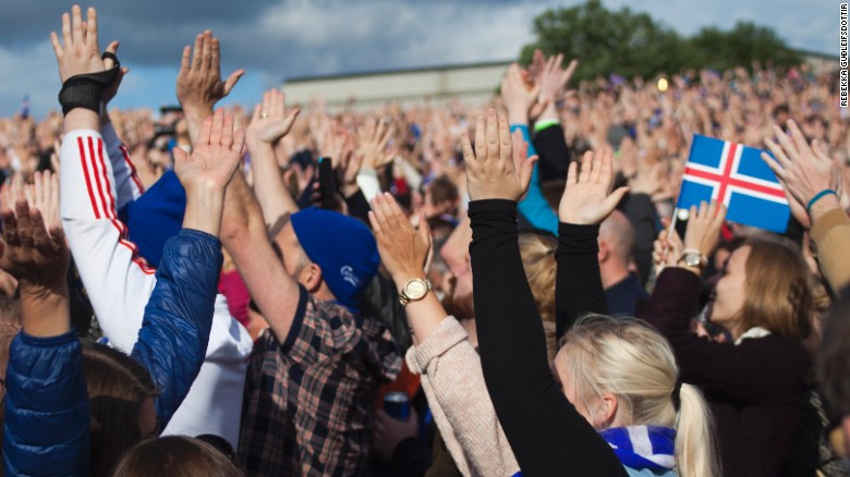 Iceland heroes welcomed home