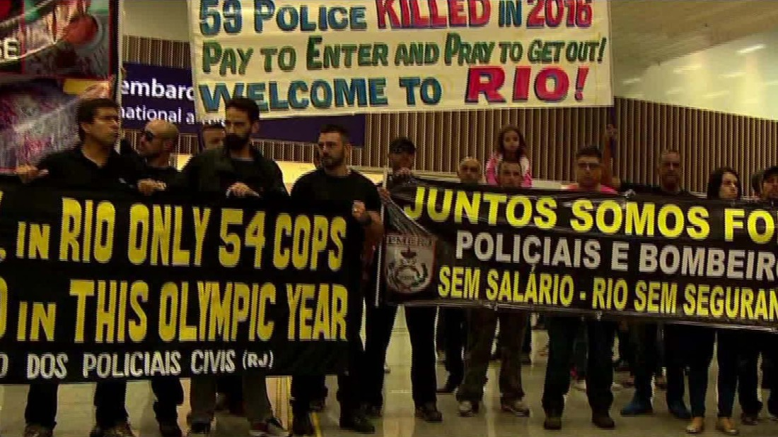 Rio police tell tourists they won't be able to protect them