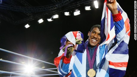 Boxing champ: You'd be crazy to pull out of Olympics