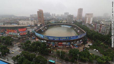 More than 100 dead as China experiences worst floods since 1998