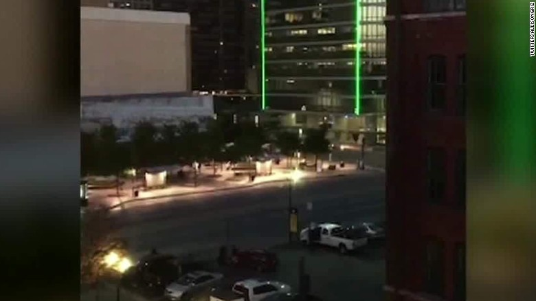 dallas police officers shot gunshots heard sot ctn_00000022.jpg