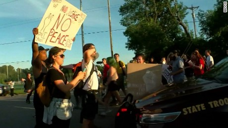 Clashes break out during Minnesota protests