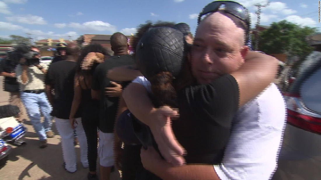 Opposing protesters meet in Dallas
