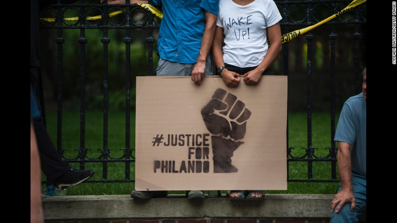 Police chief: Officers gave Philando Castile CPR
