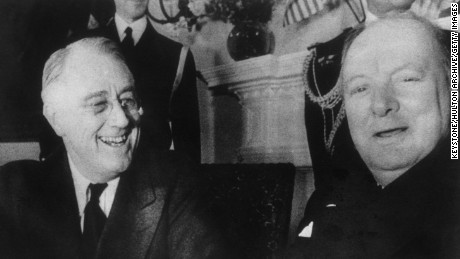 US President Franklin D. Roosevelt (1882 - 1945, left) with British Prime Minister Winston Churchill (1874 - 1965) at the White House, Washington DC, December 1941. (Photo by Keystone/Hulton Archive/Getty Images)