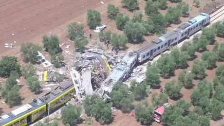 italy train crash pkg nadeau_00001020