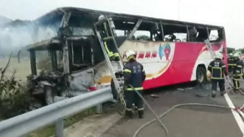 taiwan bus fire wreckage cnni vo_00001321