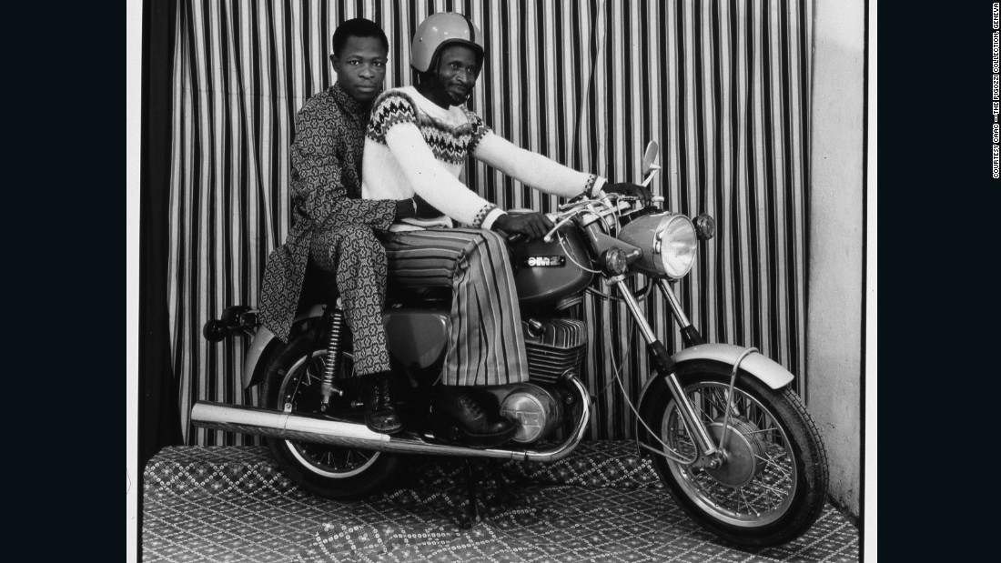 The late Malick Sidibé captured the vibrancy and confidence of Mali's youths after the country's independence in 1960.