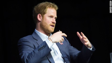 Prince Harry follows Diana's footsteps to fight AIDS