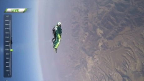 cnnee skydiver no parachute_00000122