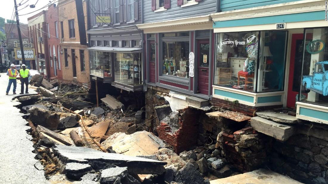 Maryland flooding leaves 2 dead in Ellicott City - CNN