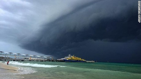 A perfect beach day has been halted as ominous dark clouds from Hurricane Earl have made there way to Playa del Carmen, Mexico. Social media users took to Instagram to share their views.