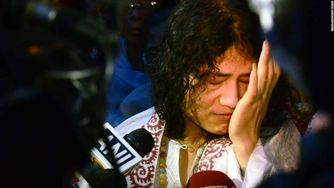 Sharmila breaks down in tears as she is finally released from a hospital jail in Imphal, India's northeastern Manipur state, on August 20, 2014.