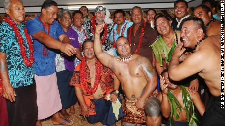 All Blacks coach Steve Hansen was made an honorary High Chief Of Vaiala on the 2015 visit to Samoa.