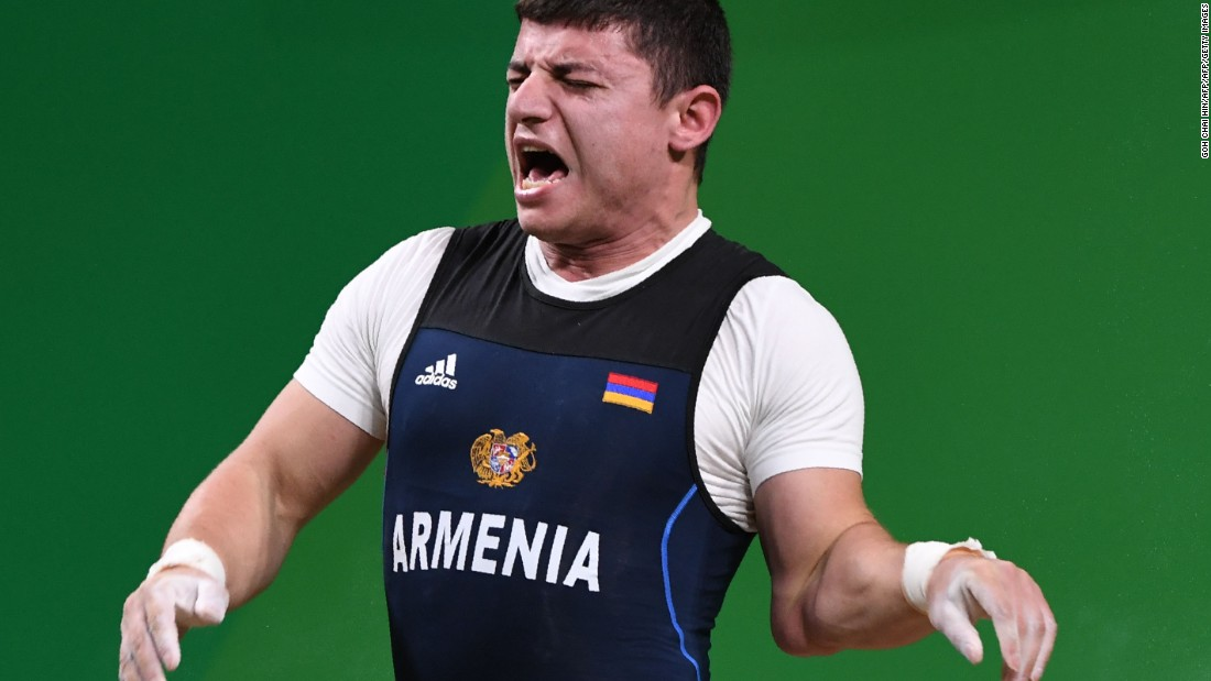 The 77kg European champion, Karapetyan was clearly in agony after suffering the injury during his second lift at 195kg.
