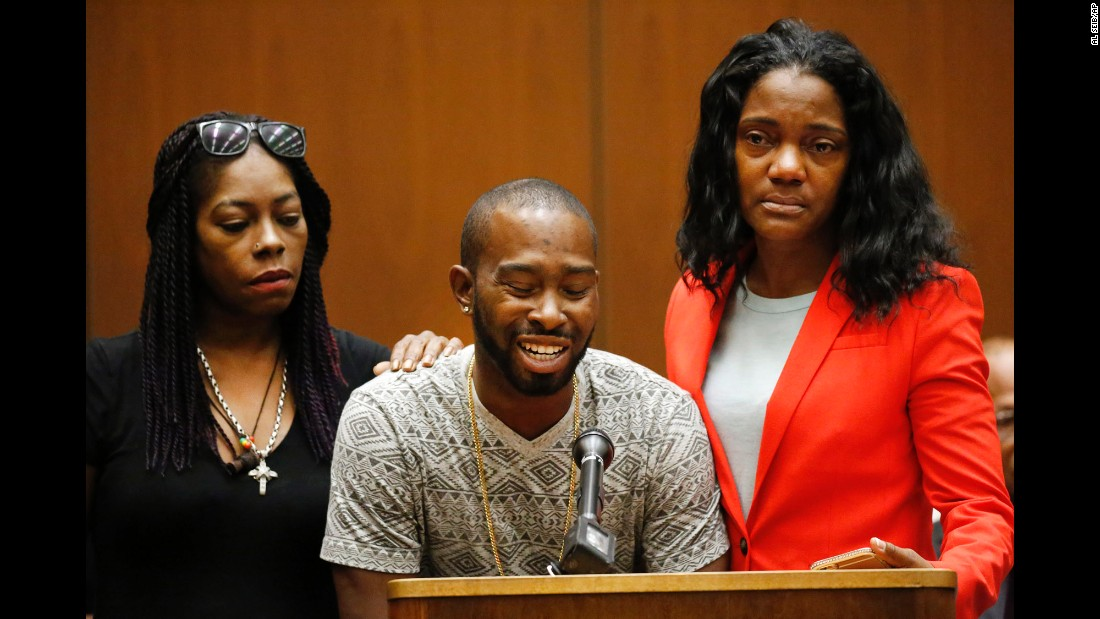 "Relatives of Mary Lowe, one of the victims of the serial killer Lonnie Franklin Jr., speak before his sentencing on Wednesday, August 10. Frankin, dubbed the ""Grim Sleeper,"" <a href=""http://www.cnn.com/2016/08/10/us/grim-sleeper-death-sentence/"" target=""_blank"">was sentenced to death</a> for 10 murders that spanned decades in Los Angeles."