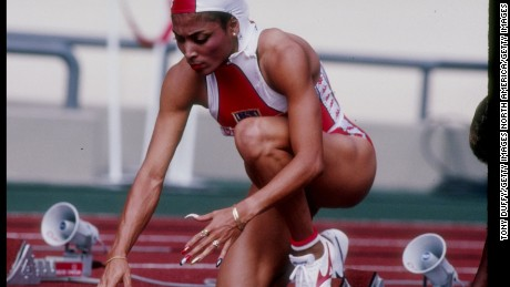 """Flo Jo"" with her famous nails prepares to race in Seoul in 1988"