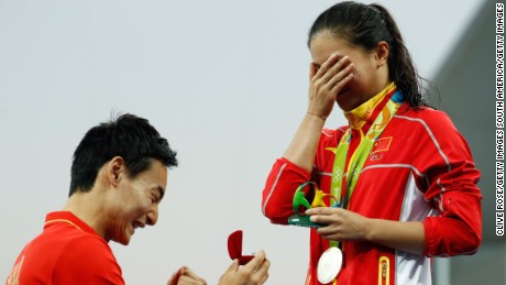 He Zi did not appear to be expecting a proposal straight after winning a silver medal.