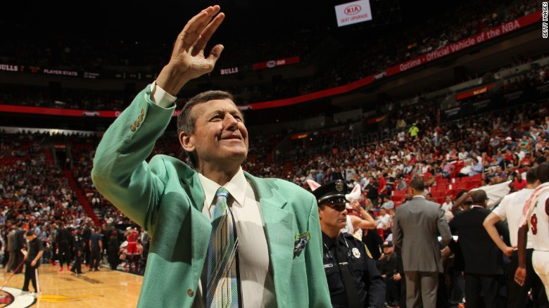Craig Sager refuses to be sidelined by cancer