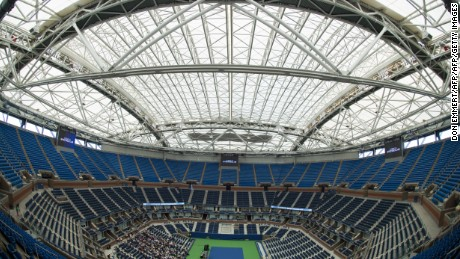 The retractable roof over Arthur Ashe Stadium in the closed position at the USTA Billie Jean King National Tennis Center August 2, 2016 in New york. / AFP / DON EMMERT        (Photo credit should read DON EMMERT/AFP/Getty Images)