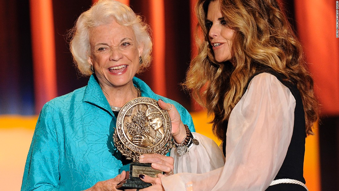 California first lady Maria Shriver presents O'Connor with the Minerva Award at the Women's Conference in October 2010.