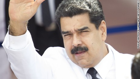 Venezuela halts effort to recall president