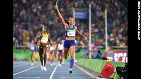 La sprinteuse olympique Allyson Fenix bat le record d'Usain Bolt pour le plus de médailles d'or au Championnat du monde